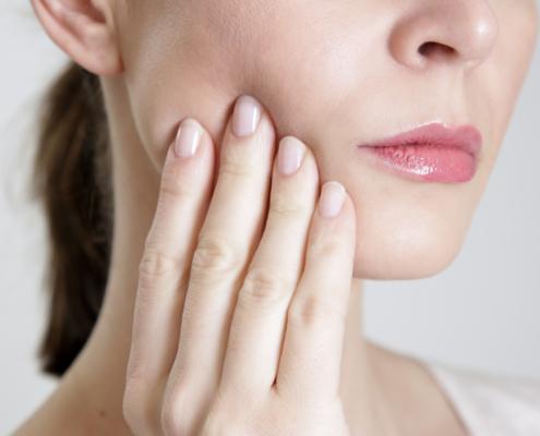 Dolor de encías Clínica Dental Achútegui