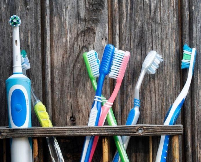 importancia del cepillo de dientes clinica dental achutegui amara donostia san sebastian dentistas